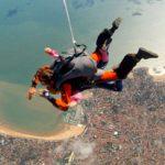 Offrir saut en parachute