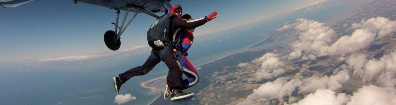 Saut en parachute à Royan 1
