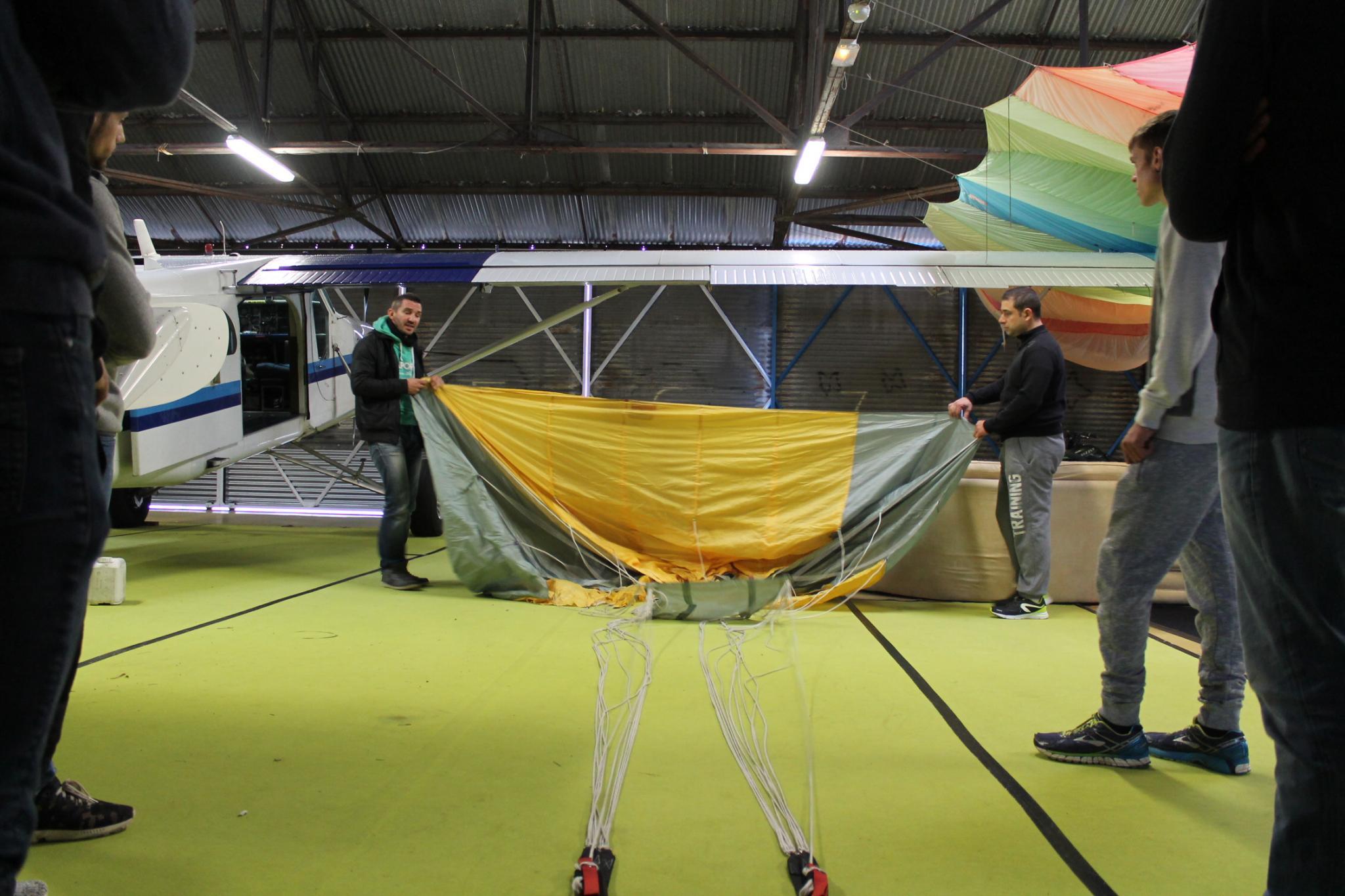 matériel de parachutisme