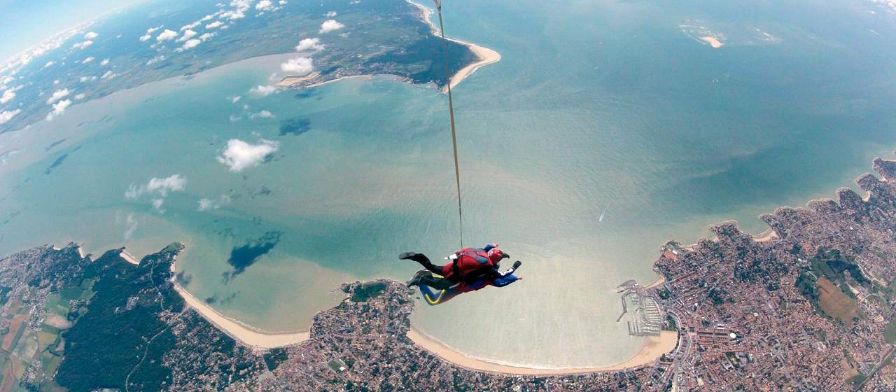 skydive royan